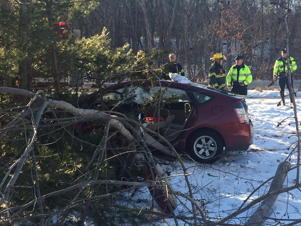 Car accident at Interstate 290 Ramp | Shrewsbury Post